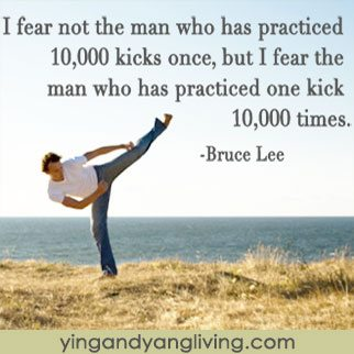 Karate-Kick-Bruce-Lee-YY