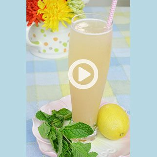 Cool Asian Pear Sparkler with Mint for these Hot Summer Days!