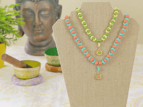 yinyangnecklace500yellowgreencoralblue
