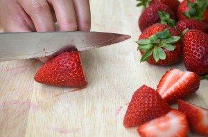 4.HalveStrawberries