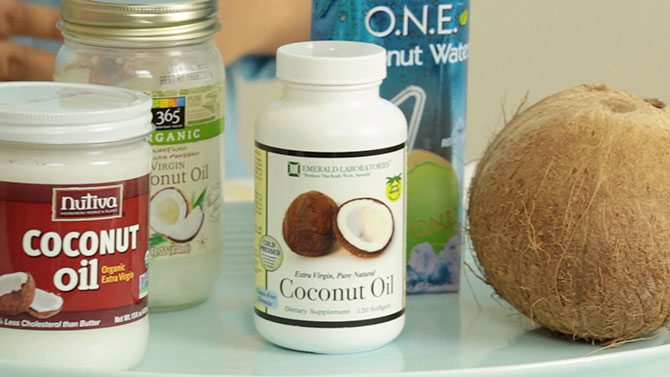 CoconutOilCloseUp670