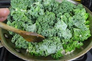 Add-Kale-to-Garlic