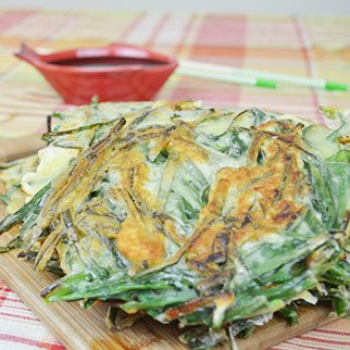Chive Pancakes with Soy Sauce Dipping Dressing